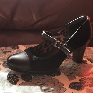 Clarks High heeled Mary Janes 7 1/2